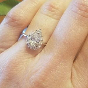 Jewelry - Stunning white topaz pear engagement ring